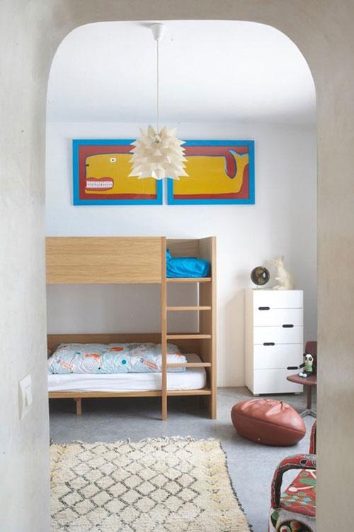 Literas de madera: decoración de un dormitorio infantil