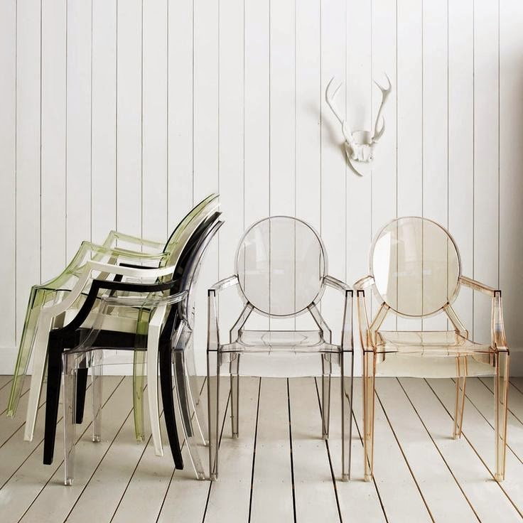 Consejos para decorar la terraza de tu restaurante: Sillas transparentes