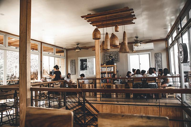 Mobiliario para decoración de cafeterías modernas