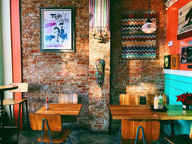 Muebles vintage para cafeterías modernas