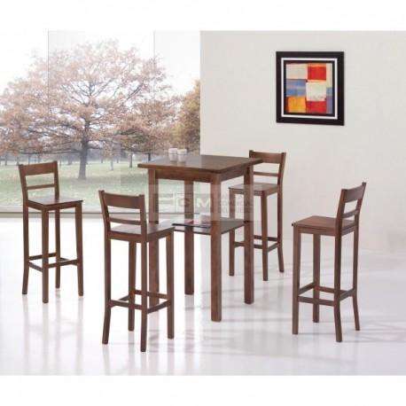 taburete y mesa alta de madera para hostelería